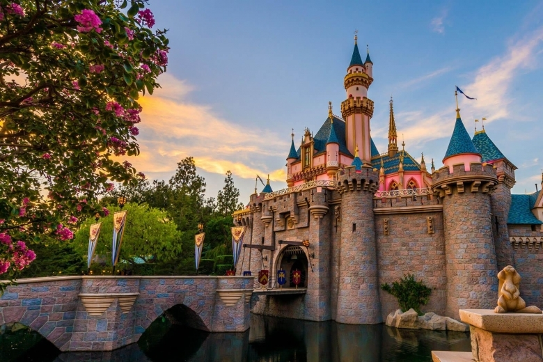 Disneyland Crowd Forecast Calendar Is It Packed Real Time