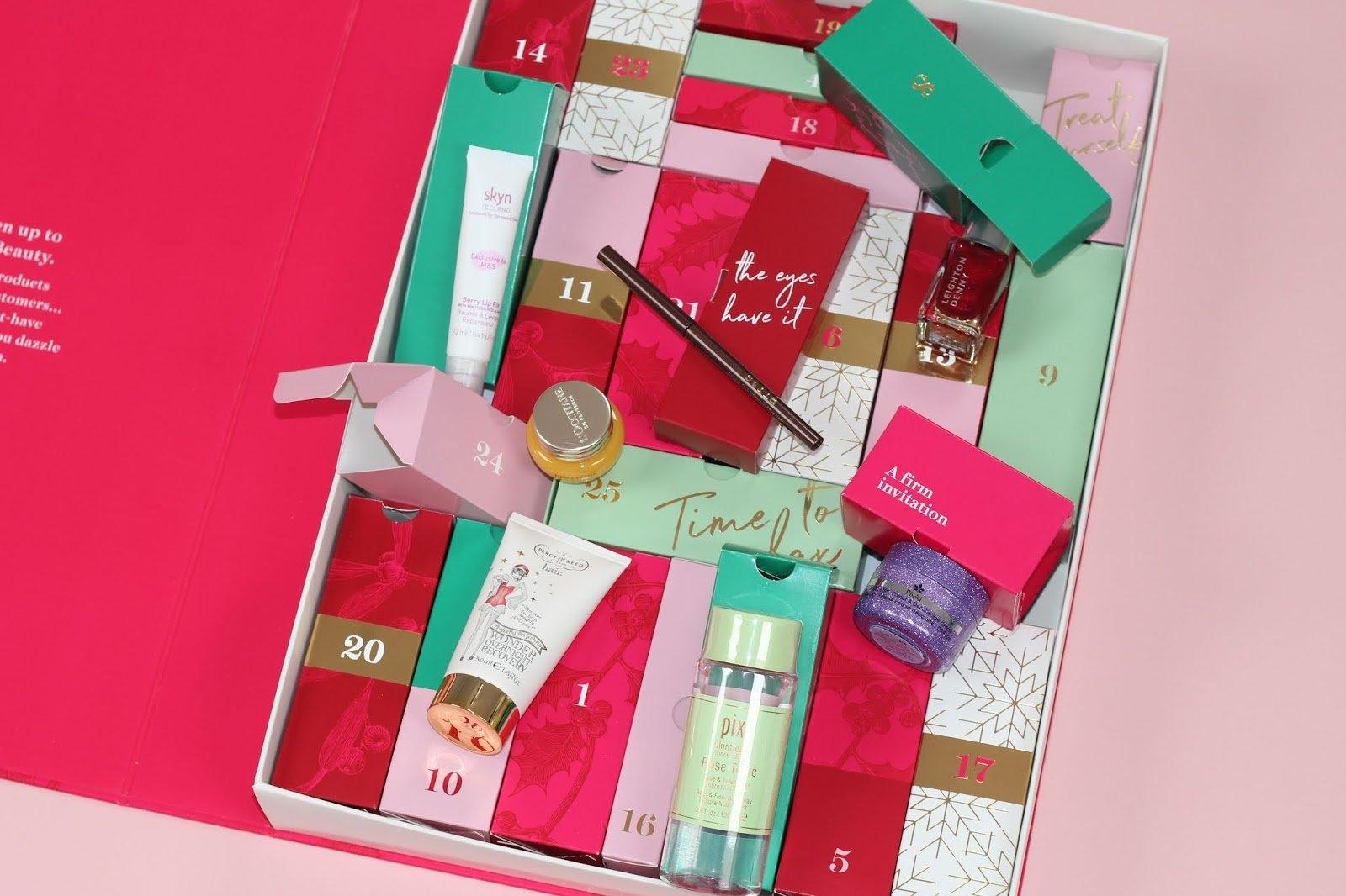 Marks And Spencer Beauty Advent Calendar 2018 Contents! | Pink M&s Beauty Advent Calendar 2019