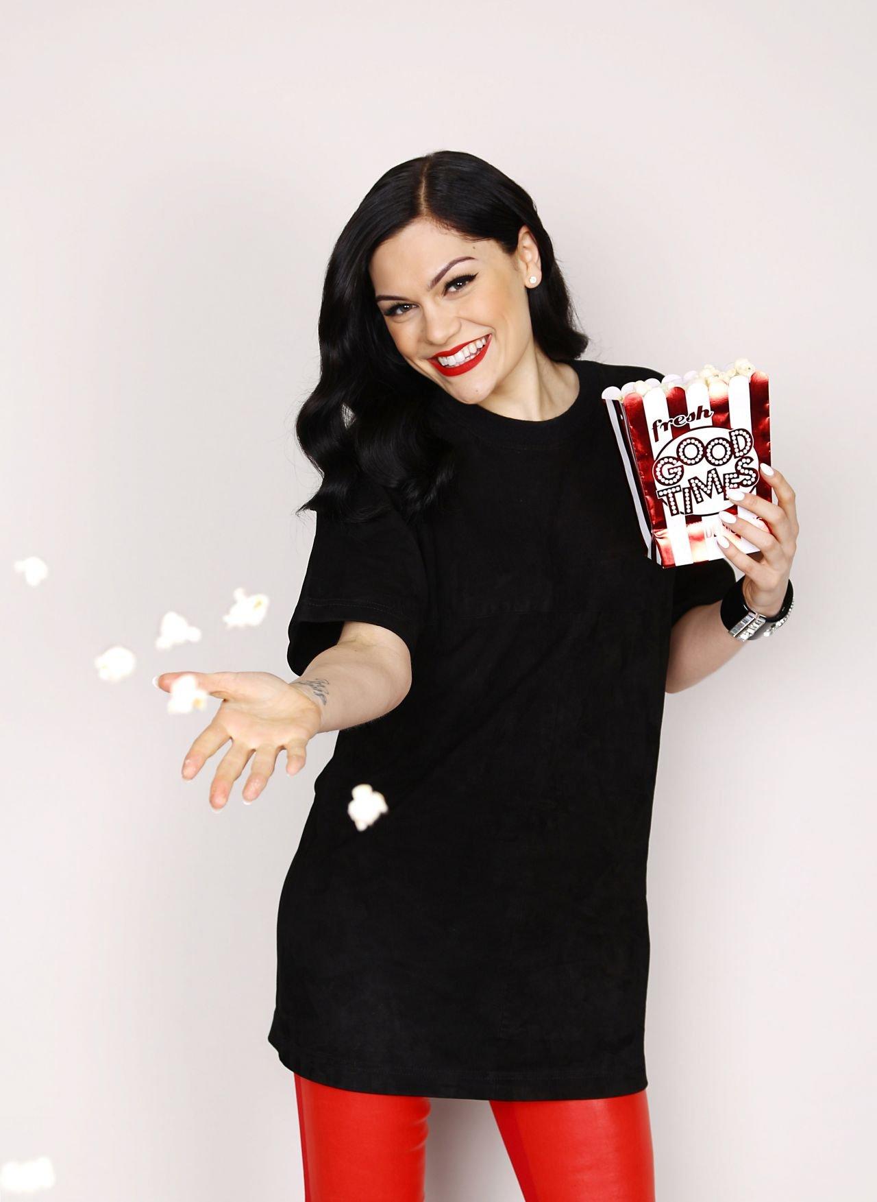 Jessie J – Portraits Photoshoot During Flz's Jingle Ball 2014 In Jessie J Calendar 2019